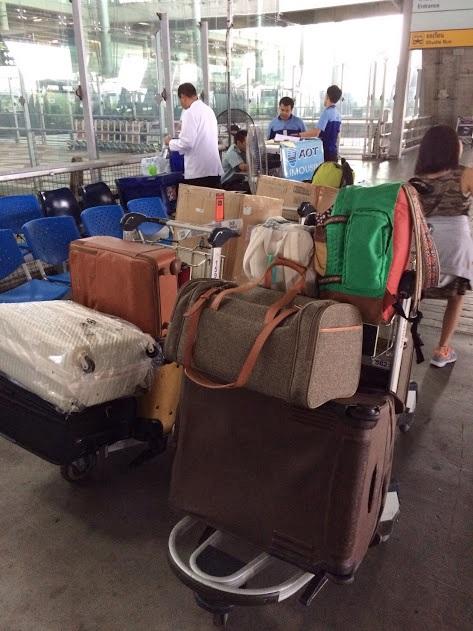 スーツケース。