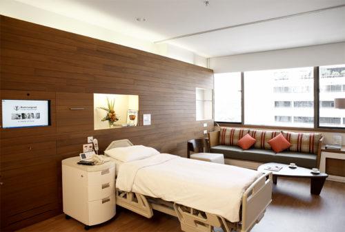 バムルンラード病院の一般病室。
