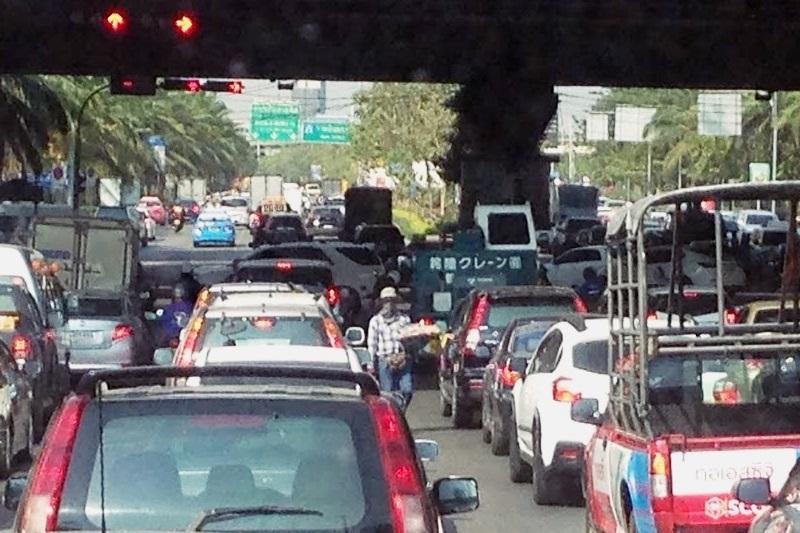 バンコクの渋滞。