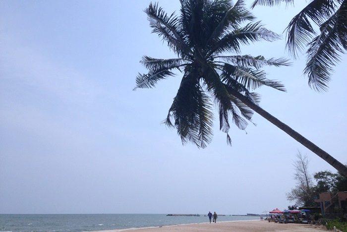 タイのチャアム(Cha-Am)ビーチです。